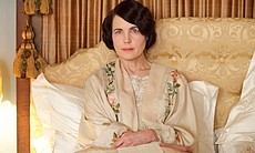 Elizabeth McGovern as Lady Cora. (32403)