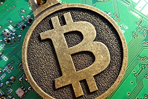 Why Some Holiday Shoppers Are Spending Bitcoin This Black...