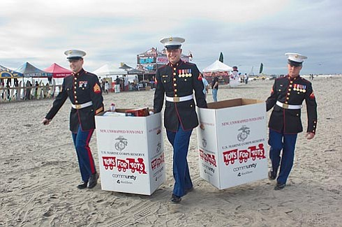Camp Pendleton Marines collect gifts at the beach