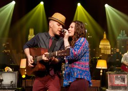 Mexican brother-sister duo Jesse and Joy present their greatest hits.