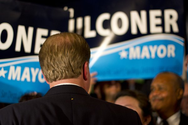 Kevin Faulconer greets fans at the U.S. Grant Hotel in do...