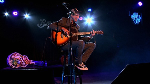 Steve Poltz performs live at the Belly Up Tavern.