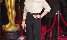 Meryl Streep always looks good and here she displays the night's favorite colors for gowns: beige and black.