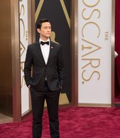 Adorable. Joseph Gordon-Levitt arrives at the Oscars.