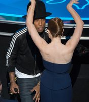 Pharrell Williams got Amy Adams (and even Meryl Streep) to shimmy for him during his best song number.