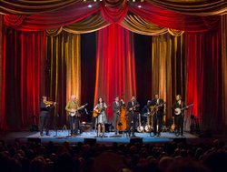 Steve Martin and the Steep Canyon Rangers featuring Edie Brickell perform liv...