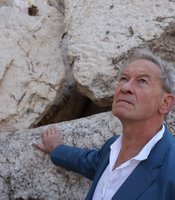 Simon Schama at Temple Mount, Jerusalem.