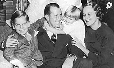 American businessman, politician and Olympic rowing champion John B. Kelly, Sr. with his wife Margaret and their children. Standing on left is the future Hollywood star and Princess of Monaco, Grace Kelly. (Agency reference 71781965)