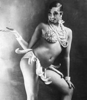 American entertainer Josephine Baker (1906 - 1975), in costume for her famous 'banana dance,' January 1, 1925.