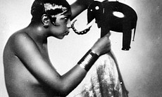 American dancer and singer Josephine Baker (190...