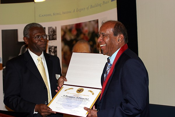 Dr. Lawrence Carter, Dean of M.L.King Jr. International C...