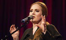 "Adele performs""Rolling In The Deep."" A ""5th Ann... (39788)"