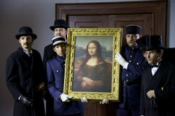 "Re-enactment: the Louvre ""Mona Lisa"" is found again and being returned."