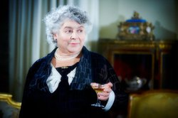 Aunt Prudence (Miriam Margolyes) from episode one