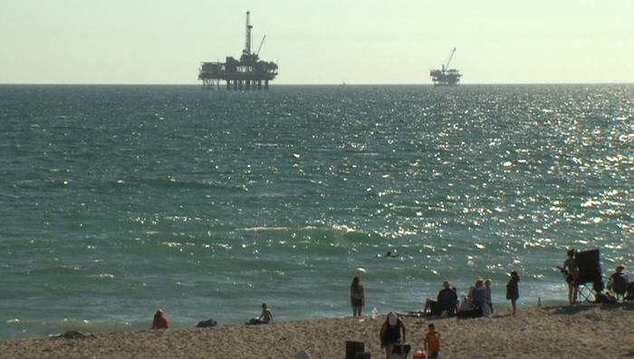 California Offshore Oil Platforms : An afterlife for california s offshore oil rigs kpbs