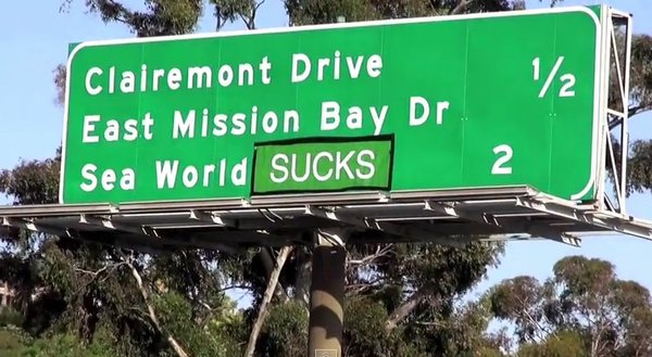 A freeway sign near Mission Bay with