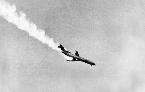 Pacific Southwest Airlines Flight 182, with its wing afla...