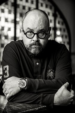 Author Carlos Ruiz Zafón