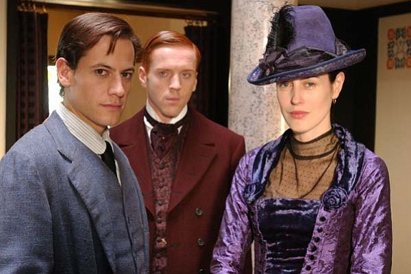 Ioan Gruffudd as Bosinney, Damian Lewis as Soames and Gin...