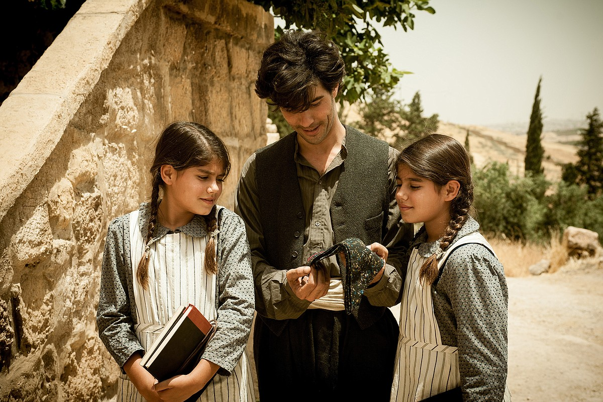 "Nazaret Manoogian (Tahar Rahim) and his twin daughters in Fatih Akin's ""The Cut."""