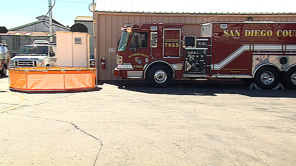 San Diego County's new 3,000 gallon water tender fire eng...