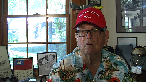 Gordon Jones, 93, talks about what he experienced in the attack on Pearl Harb...