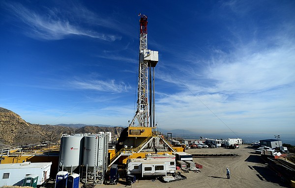 Crews from Southern California Gas and outside experts work on a relief well ...
