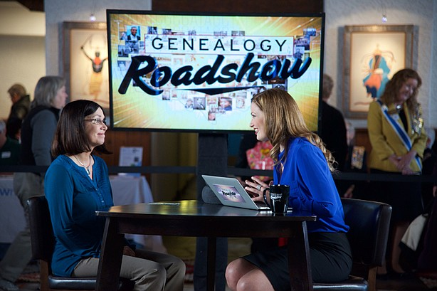 Janet Mansfield And Genealogist Mary Tedesco Photo Kpbs