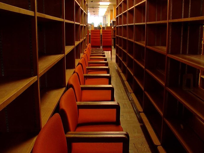 Theater seats up for auction at San Diego's old...