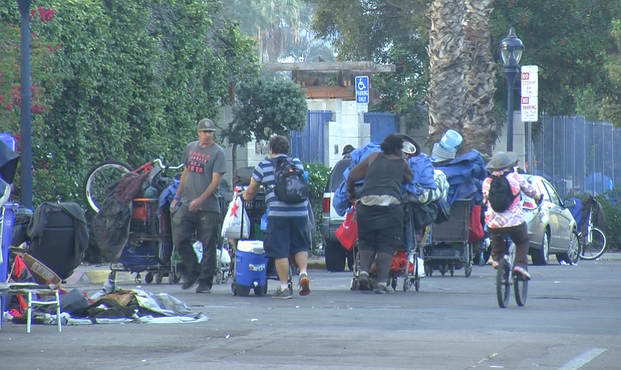 Mondays Are Moving Day For San Diego S Homeless Kpbs