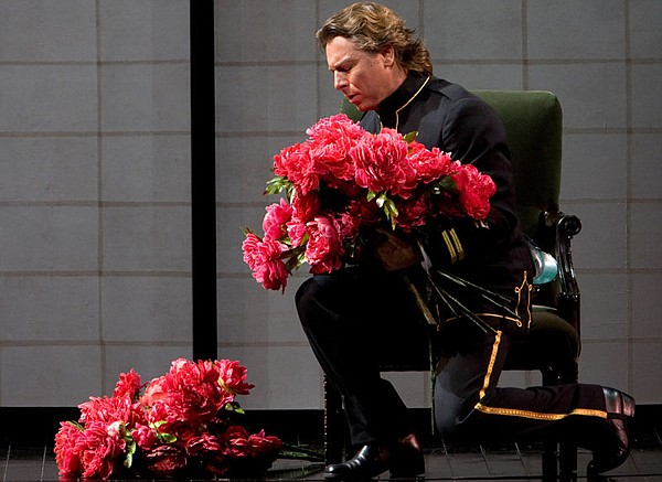"Roberto Alagna as Pinkerton in Puccini's ""Madama Butterfly."""