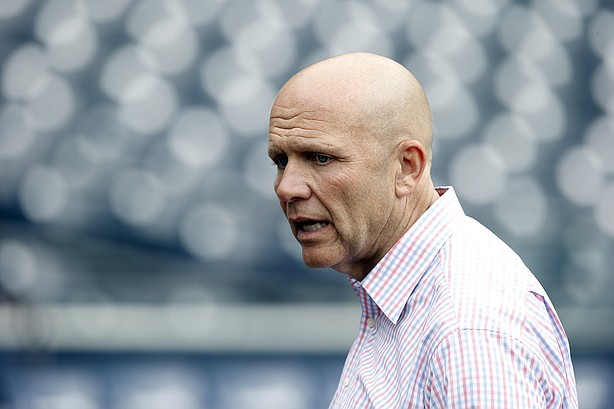Mike Dee out as Padres president following miserable season