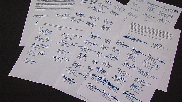 Letters to the DEA signed by members of Congress are show...