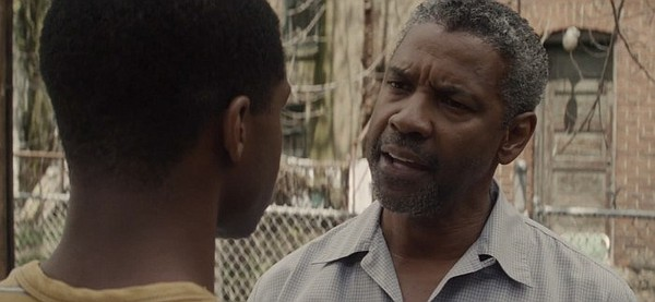 Cory (Jovan Adepo) confronts his father Troy (Denzel Wash...