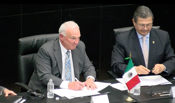 Jerry Sanders signs memorandum of understanding with Mexi...