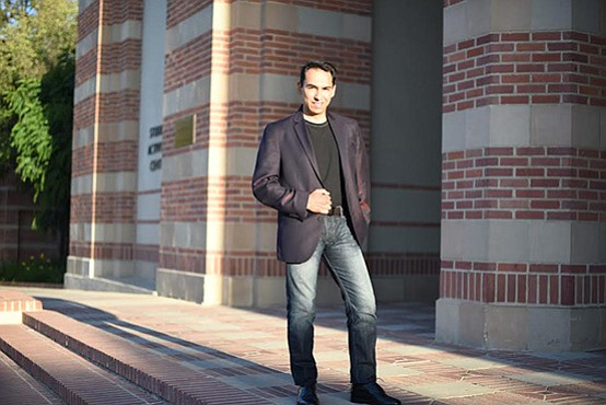 A photo of baritone Gregorio Gonzalez, who performs at the La Jolla Symphony ...