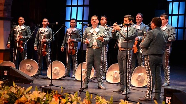 A promotional photo of Mariachi Nuevo Tecalitlán.