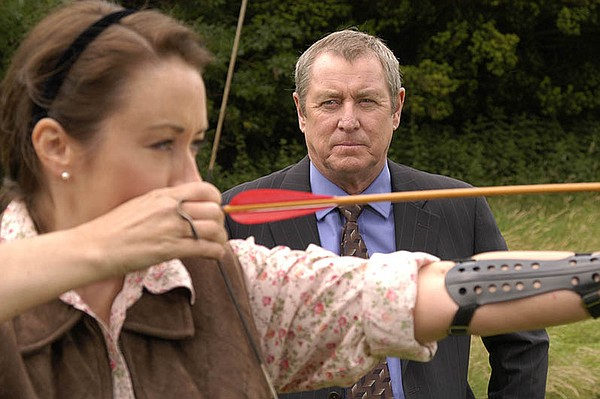 John Nettles as DCI Barnaby (right) and Elizabeth Dermot ...