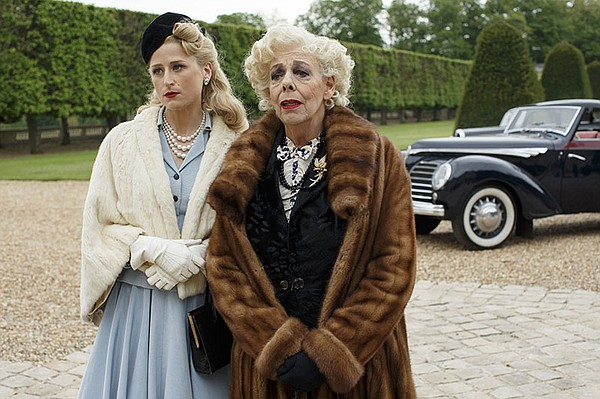 Shown from left to right: Helen Sabine (MAMIE GUMMER) and...
