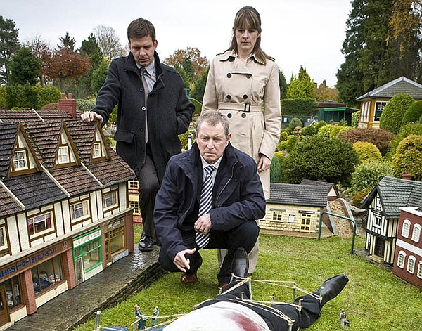 A scene from MIDSOMER MURDERS Season 12 featuring Jason H...