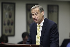 Photo for Former San Diego Mayor Bob Filner Accused Of Sexual Harassment By Colorado Co...