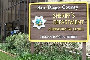Sheriff's Deputy Charged With Groping Teenage Girl In Vis...