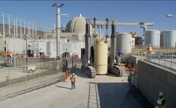 Spent fuel being moved to dry storage at San Onofre. Jan ...