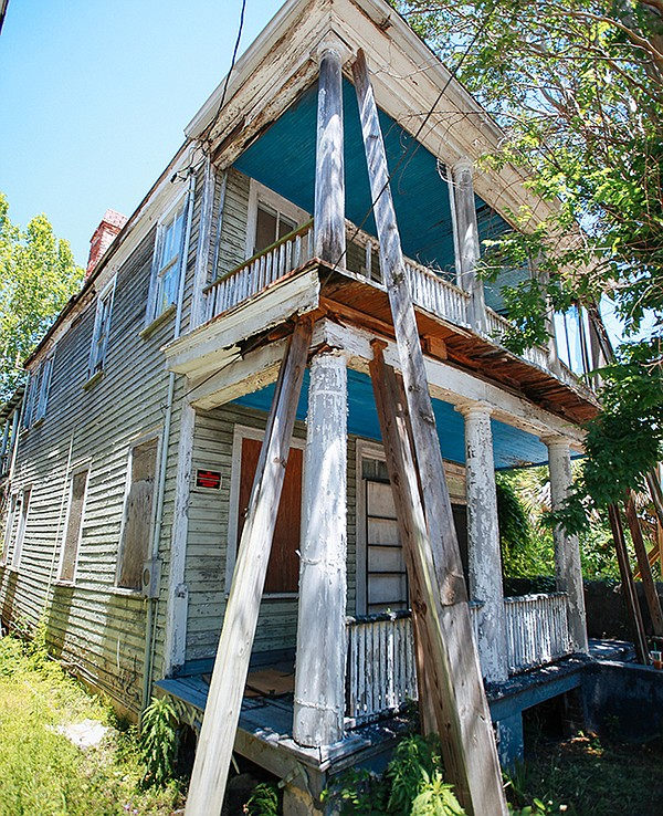 In Charleston, S.C., THIS OLD HOUSE follows the transform...