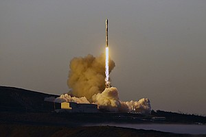 SpaceX Launches 10 Iridium Satellites From California