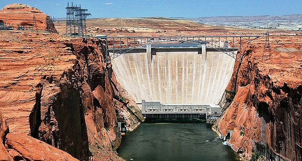 Glen Canyon Dam impounds Lake Powell, the Colorado River'...
