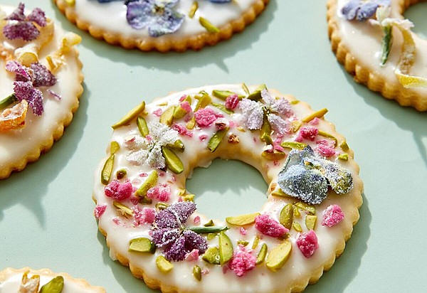 Wreath cookies embellished wreath cookies with sugared fl...