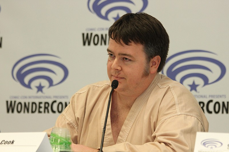 Ian Cook, played a Mos Eisley Cantina bartender from