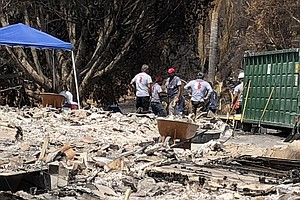 Photo for Veteran Volunteers Help San Diego County Fire Victims