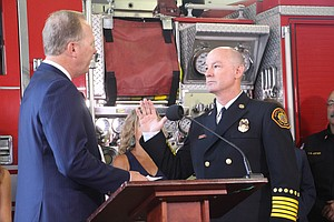 Photo for Mayor Faulconer Swears In New San Diego Fire Chief